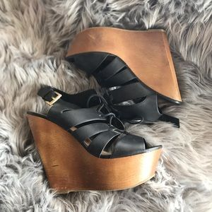 Soda Shoes - Black Laced Wood Look Wedge